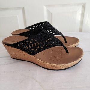 Sketchers Lux Foam Wedge Sandals Size 8